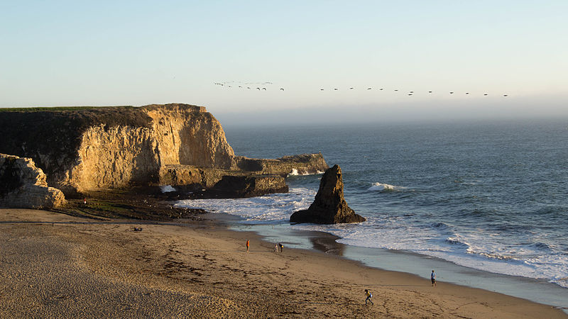 Shark_Tooth_Rock_&_Davenport_Beach